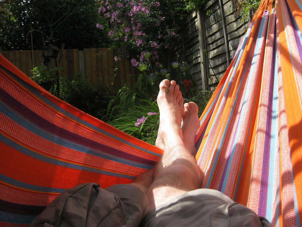 Benefits of Sleeping in a Hammock | Healthy Living articles | Well ...