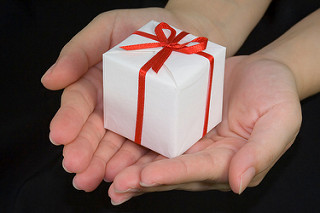 Great Christmas gifts for expectant mothers   Pregnancy articles ...