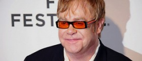 """Elton John's """"beautiful surrogacy journey"""" ended with a Christmas baby!"""