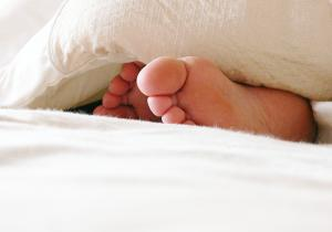 About tingling toes