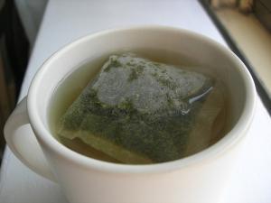 Can green tea help treat bacterial infections ?