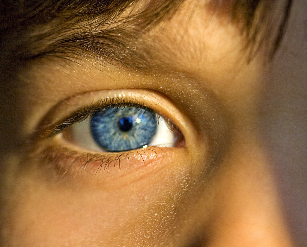 child-blue-eye.jpg
