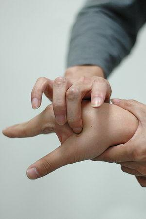 Difference between acupuncture and acupressure
