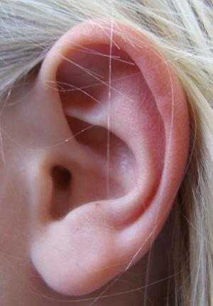 Ear wax cleaning - how to clean ear wax