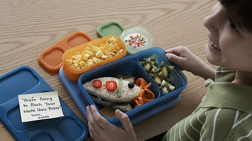 kid-with-lunch-box.jpg
